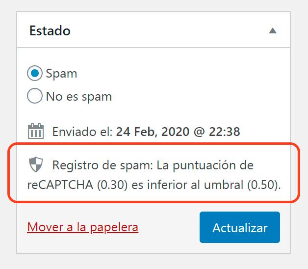 Una captura de pantalla que muestra un mensaje de registro de spam que aparece en la sección de Mensajes entrantes de Flamingo. El mensaje dice «Registro de spam: la puntuación de reCAPTCHA (0.30) es inferior al umbral (0.50)».